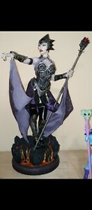 Sideshow Collectibles Masters of the Universe Evil Lyn Statue