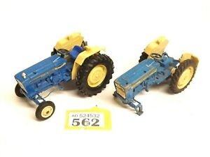 Britains Ford Tractor And Spares (1:32) Unboxed O562