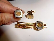 Vintage Goldtone Tie Bar & Cufflinks Ss with Pressed Shell design