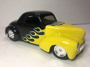 VINTAGE SPECCAST BANK - 1941 WILLYS COUPE STREET ROD #94029 Black & Yellow