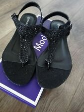 New boxed Ladies Sandals Size Uk 6