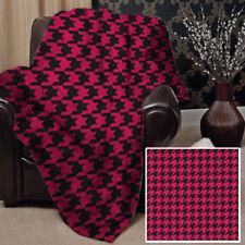 Couvertures modernes roses pour le lit