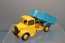 DINKY TOYS MODEL No.410 BEDFORD END TIPPING  TRUCK  *RARE COLOUR*