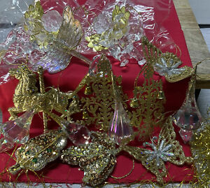 LOT OF 15 CHRISTMAS TREE DECORATIONS TREE ORNAMENTS GOLD & SPARKLY BEAUTIFUL LOT