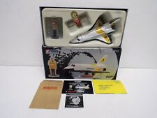 CORGI 65401 JAMES BOND SPACE SHUTTLE & FIGURE SET MINT BOXED (C418)