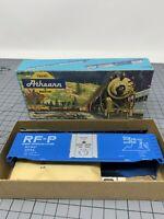 Athearn - HO Scale Kit - 50' Plug Door Box Car - RF&P 2574 - P4