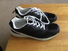 Atmosphere trainers, size 5