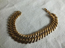 """Beautiful Collectible Clasp Bracelet Gold Tone Links 5/8 """" Wide x 7 1/4 Long WOW"""