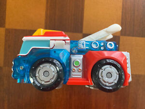 TOMY Hasbro Firetruck HEATWAVE Transformer #A2768 Six Inches Tall Used Excellent