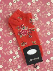 BNWT New Christmas Socks Santa Naughty Black /& Red UK 4-7 EU 37-40 Who Me