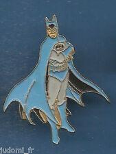 Pin's pin BD DC COMICS BATMAN (ref L04)