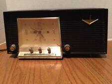VINTAGE SILVERTONE CLOCK RADIO MODEL 6025