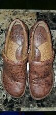 NEW b.o.c Women's Peggy Coffee Tooled Floral Leather Clogs Size 7.5