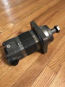New Genuine Eaton 1051077-006 Char Lynn 2000 Series Hydraulic Wheel Motor