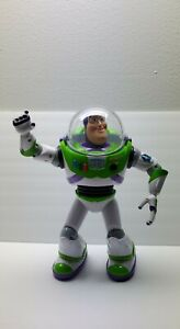 Toy Story 3 - U-Command - Buzz Lightyear Talking, Programmable Remote Control RC