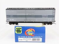 HO Scale Athearn 70195 UP Union Pacific 40' Double Door Express Box Car #9213