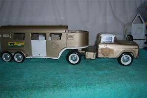 """Nylint Ford Horse Thouroughbred Farms Horse 1960's Semi-Truck 23 1/2"""" Long"""