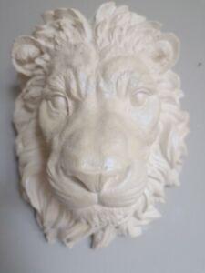Wall mounted lion head