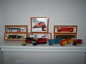 TYCO VINTAGE HO TRAIN SET WITH TRACK ENGINE, CARS  AND MORE