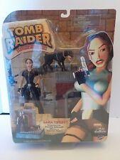 Tomb Raider Lara Craft Encounters the Ferocious Doberman Action Figure 2000 NEW