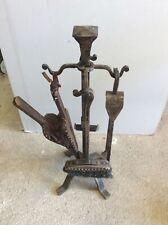 Ancien serviteur de cheminée avec ses accessoires