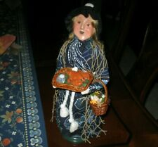 Byers choice, Nautical Halloween Witch holding Lobster Tray , Seashells, Basket