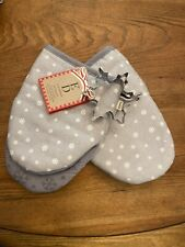 Ellen Degeneres Oven Mitts/Cookie Cutter Set Holiday Gray White Snowflake Nwt