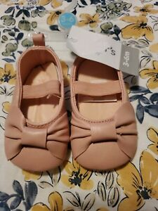 Carter's Crib Shoes Baby Girl Shoes New NWT Size: 3-6 Months pink bow