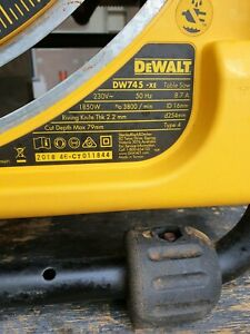 DeWalt DW745-xe Table Saw for woodwork