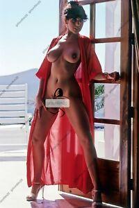 Nude pinup girls photos. Linda Lusardi 6 x 4 glossy remastered to hd quality