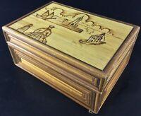 Jolie boite à bijoux ou autre .. vintage , en bois pyrogravé- Décors marins