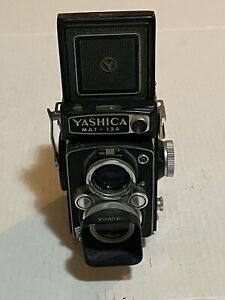 Vintage Yashica MAT-124 camera SEE ALL PICTURES