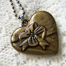 LARGE  ~~  HEART    ~  NECKLACE ----- (GREAT_GIFT)