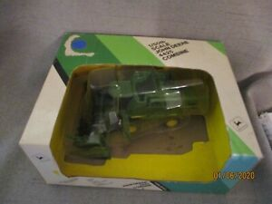 1/50th scale John Deere 4425 Combine -(TT-C9)