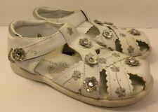 WonderKids Little Girls White Jeweled Design Sandals (Size 9)