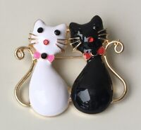 Adorable two cats brooch enamel gold tone metal