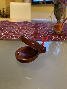 1 Kastagnette spanisch aus dunklem Holz 8 cm lang voller Klang Klapper