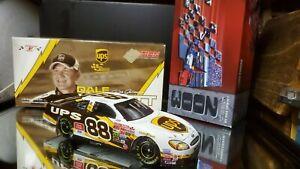 Action 2004 Dale Jarrett UPS Taurus 1:24 Diecast Car