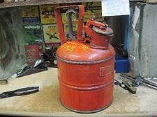 JUSTRITE red 1 GL gallon SAEFTY can RM5120 gas fuel VINTAGE MFG CHICAGO ILL ANT