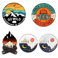 für Kleidung Outdoor Enamel Broches Abenteuer Camping Lapel Pins Marke Cartoon