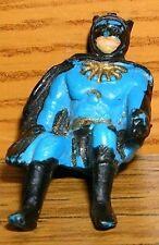 Corgi Batman Fahrer klein mit großem Cape vermutlich aus Batcopter