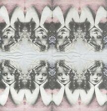 3 Mouchoirs papier Fillette fleur Paper Hankies Girl with flower Sagen Vintage