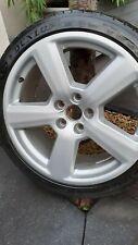Vw Audi 4 Jantes 5 Bâtons  2 pneus 6mm et 2x 3mm. Et pas même marque.