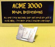 DINKY 135 TRIUMPH 2000 Saloon riproduzione riproduzione Bianco Metallo BONNET HOOD