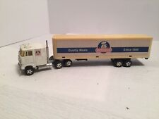 Vintage Ertl Trucks Of The World CL 9000 Cab Over Semi Truck Hatfield Meats