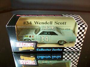 Wendell Scott #34 1965 Ford Fastback African American Racer RCCA 1:64 Legend