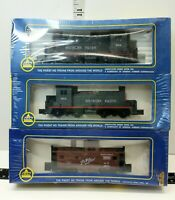 AHM Southern Pacific 621A Train Engine 3 Pack  Includes Dummy and Caboose Sealed