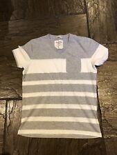 Para hombres Gris y Blanco con Rayas Abercrombie & Fitch Camiseta Talla Pequeña