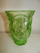 Vase Glas Art Déco grün, sehr schwer, Höhe 18 cm