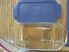"""New listing Pyrex Meatloaf Baking Dish 1.5 Quart with Cover Gently Used 8.5x4.5x2.5"""" Usa"""